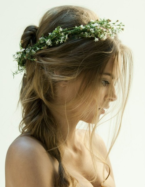 Dainty, floral head wreath