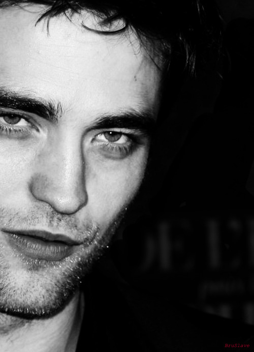 bruslave: Rob-p0rn in Paris (That stare kills me everytime) o.o