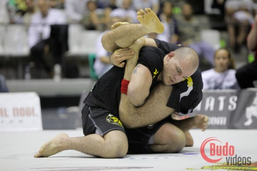 © 2009  Dave Contreras A look back at ADCC 2009 in Barcelona. Braulio Estima shoots an inverted triangle on Xande Ribeiro in the finals.