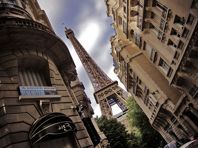 Street View by amy allcock on Flickr.La Tour Eiffel