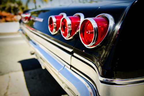 iivanthegreat:  tail lights by francis.aldana on Flickr.