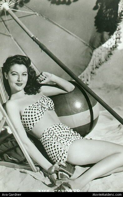 judywald:  Ava Gardner- polkadot bikini - love the cross-stitched bottoms!