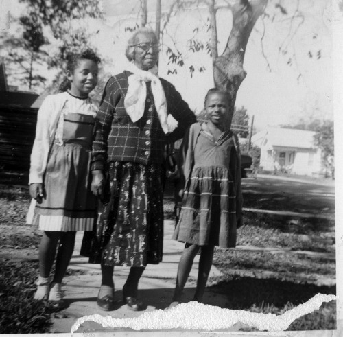 Granny's Girls 1950's ©WaheedPhotoArchive, 2011