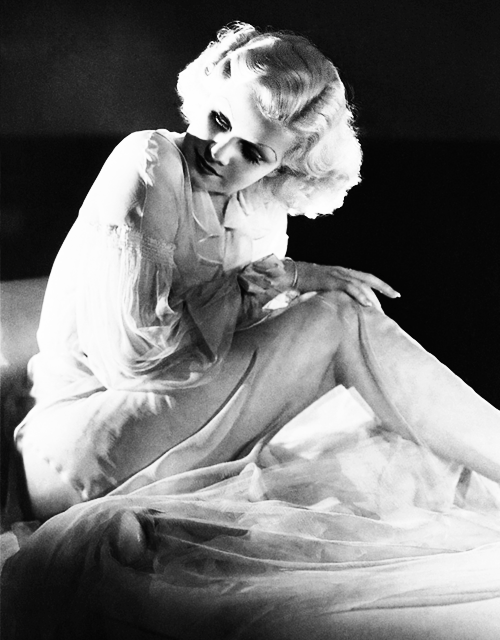 missavagardner:  Jean Harlow photographed by George Hurrell, 1935.