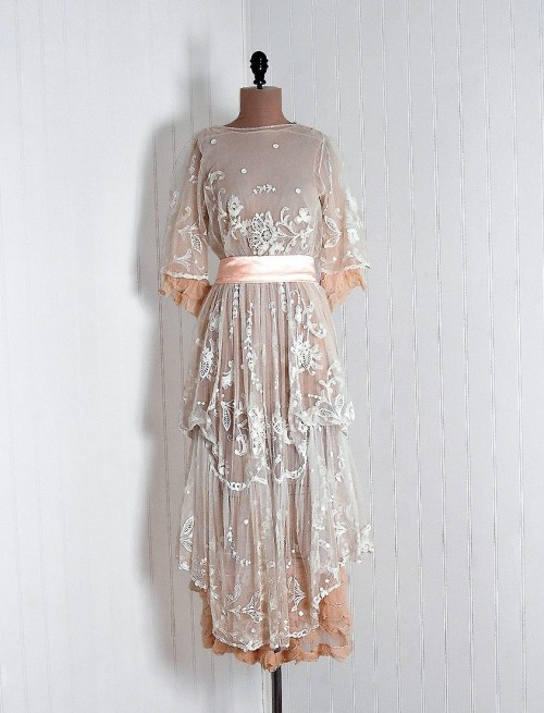 1910s dress via Timeless Vixen Vintage