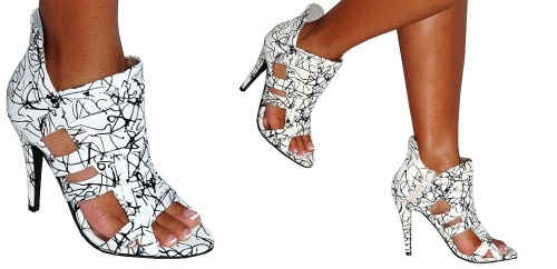 whered-you-get-those-shoes:  Bellary (White/Black) Available at Great Glam for $35.80