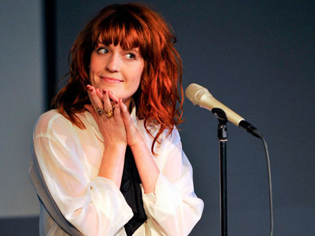 Florence performing at the Apple Store in Soho on a Tuesday in NY, 2010. Looking oh so cute, of course.