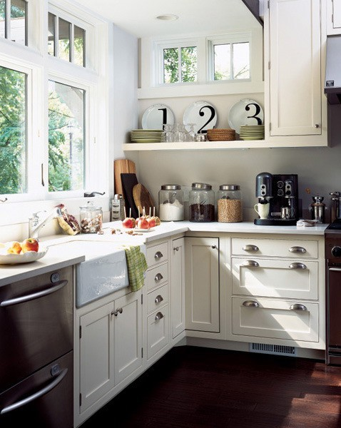 white kitchen (via thehandmadehome)