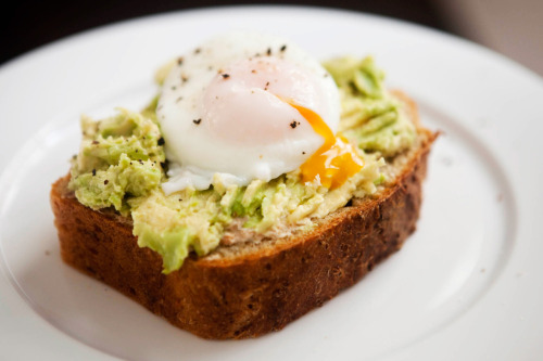 nangalarm:  Poached Egg, Avocado, and Smoked Salmon Spread on Quinoa Bread
