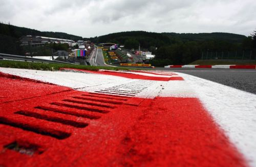 automotivated via optimusleo:  Eau Rouge Don't blink or you might lose all the action