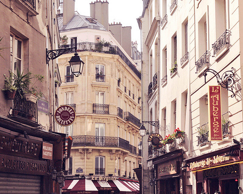 allthingseurope:  Paris corners (by liz.rusby)