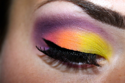 makeupbeauty:  another picture from the sunset look I did a while ago. I've got over 500 notes on this picture, yeey. Thank you guys! :D