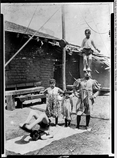 Circus performers, or maromeros, pose on the patio of Hacienda Aguilar in San Juan Capistrano on this day in 1903.