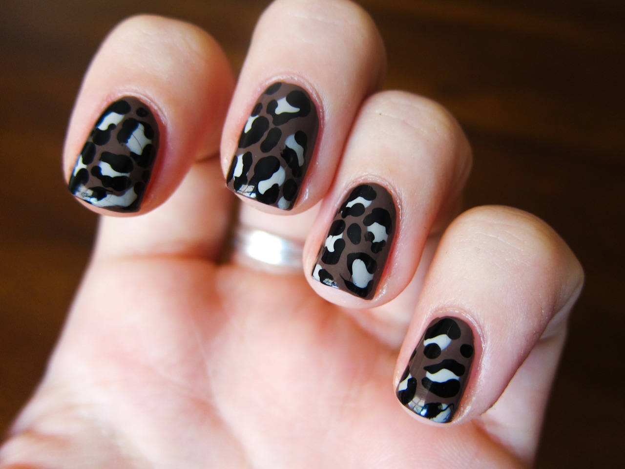 New freehanded leopard! China Glaze - Street ChicOPI - Skull and GlossbonesChina Glaze - Liquid Leather