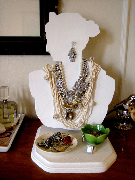 diy project: jewelry bust | Design*Sponge I have seen this one around the net for awhile, I think even over at Martha but I am smitten with it today.