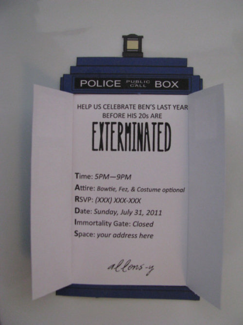 (via Doctor Who TARDIS Invitation by Tammi42 on Etsy)