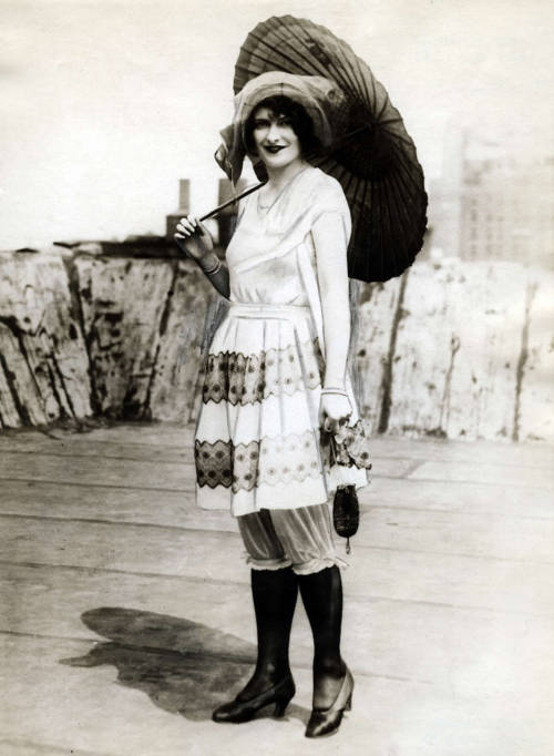 billyjane:  Beach fashion, USA, 1926