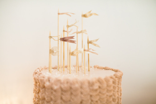 "source: the sweetest occasion ~ somthing about little flags on cakes makes me think ""Yay, cake!"" :)"