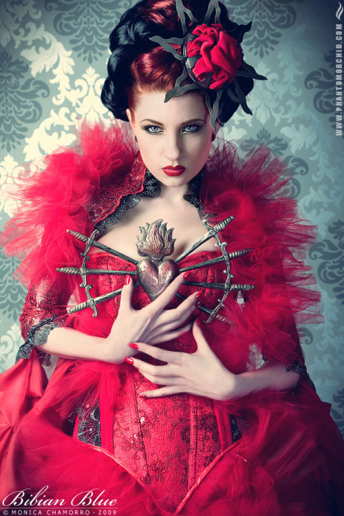 pumpumpumkim:  Red Queen by `ulorinvex