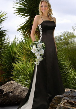 This would serve well for a bridesmaid or a bride who likes to do it differently. What do you think?