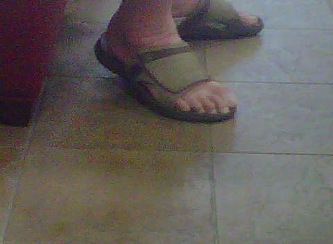 "If your toes look like this "" kill your self!"