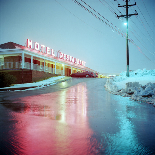 Motel Restaurant by Daniel Regner on Flickr.