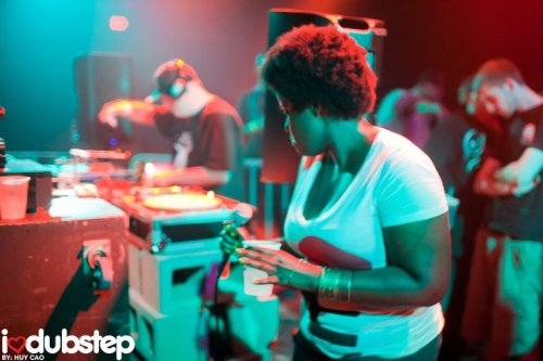 This is me about to MC at the I heart dubstep show at Warehouse Live 8.13.2010.  My hair is getting big :D  Shoutout to Gritsy,Texas Dub,Hulk,16-bit, Squincy Jones, and everyone else that made this night so awesome.