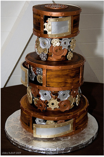 tumblrsteampunk:  SteamPunk wedding cake