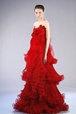 Alex Sandor in marchesa 2008 fall rtw