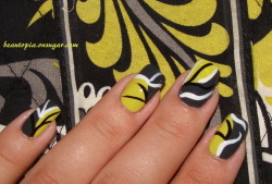 Nail art inspired by Vera Bradley Baroque