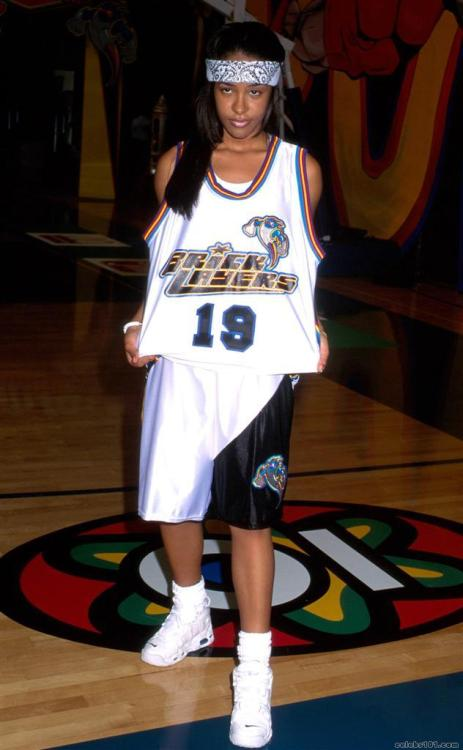 Aaliyah had that swagg though, rockin all white Nike Air More Uptempo's