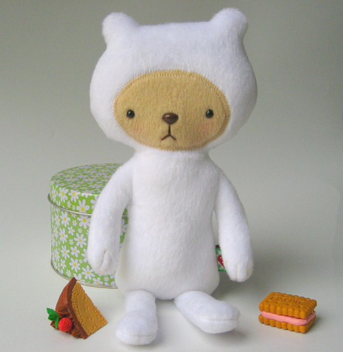 You have to meet Laurent! Adorable kawaii teddybear by Bijoukitty on Etsy.