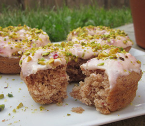 findvegan:  Strawberry Pistachio Donuts