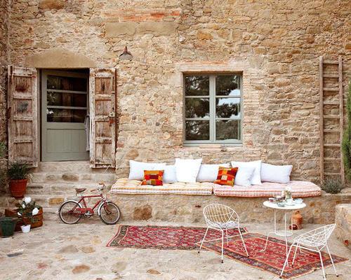 micasaessucasa:  (via an old renovated spanish farmhouse | the style files)