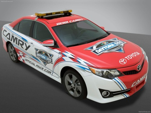 carpr0n:  Rhythm is the key Starring: Toyota Camry (via blognewcars.net)  just saw the commercial… pretty dope car actually..