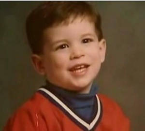 hockeyplayersaskids:  Sidney Crosby  Look at that faaaaace. Now imagine the preschooler that would result if this gene pool mixed with Alex Ovechkin's.