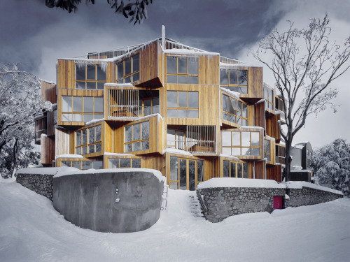 huh, i didnt even realize one could ski in australia.  architizer:  Huski Hotel, an Australian ski lodge by Elenberg Fraser