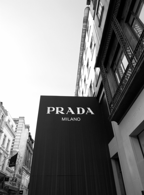 1indecisivegemini:  London Prada store