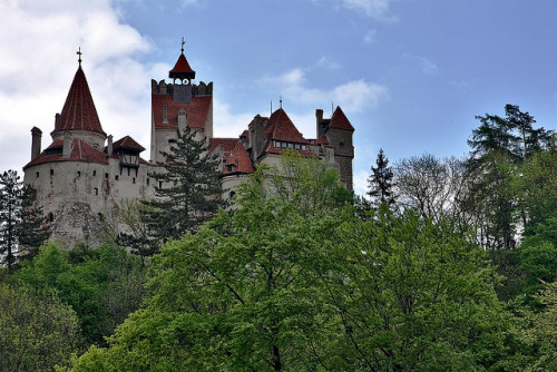 greenduckie13:  Bran Castle as seen from the south side by Horia Varlan on Flickr.
