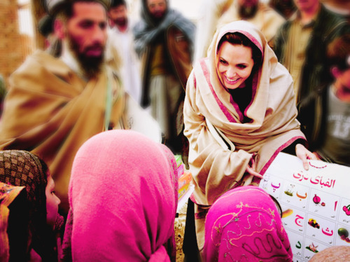 eyesinme:  Angelina Jolie just needs to become Muslim already, lol