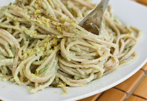 veganrecipesforlater:  15 Minute Creamy Avocado Pasta  This was okay, but I really need a food processor. The blender didn't cut it. It's really simple tasting, very cool. I think it would be good in the summer if you rinsed off the pasta in cold water and maybe chop up some cherry tomatoes.