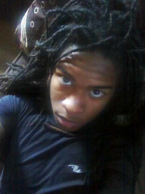 themanwiththedreads:  Boreddd.. amy dreads look crazy