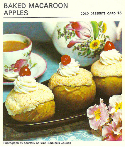 What's For Tea Mother ? Baked Macaroon Apples