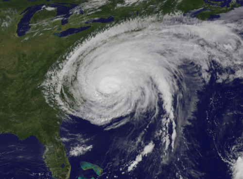 zeb:  NASA shot of Irene today, August 27 The GOES-13 satellite saw Hurricane Irene on August 27, 2011 at 10:10 a.m. EDT after it made landfall at 8 a.m. in Cape Lookout, North Carolina. Irene's outer bands had already extended into New England. (Credit: NASA/NOAA GOES Project) … and earlier this week in a shot showing the the storm in a full-earth view   Rull friggin' big.