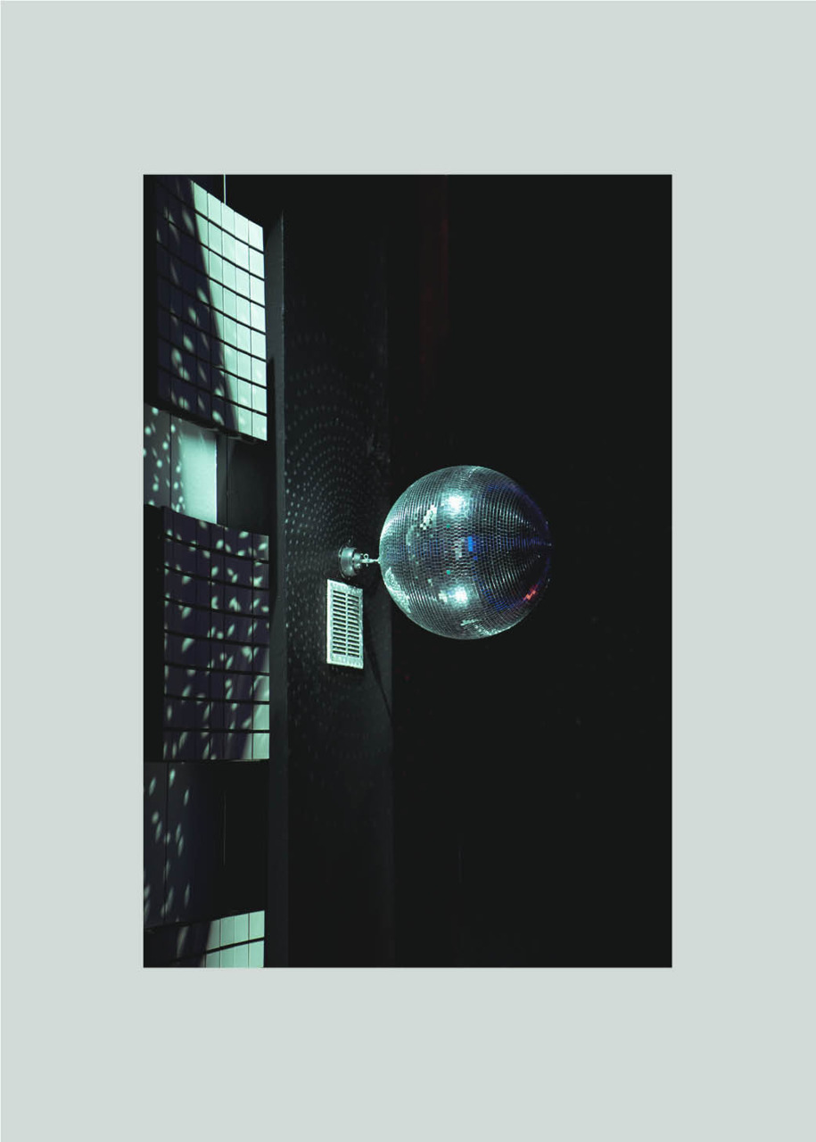 sayhellotoanna:   Mirror ball / Anna Meyer