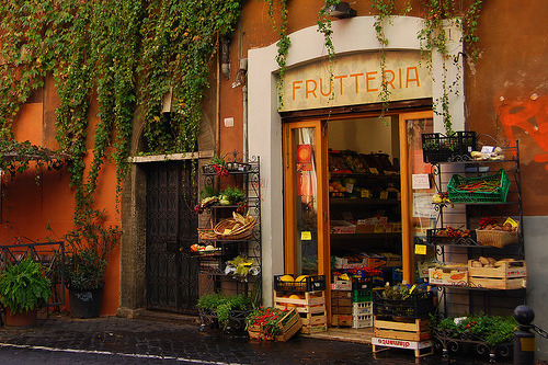 allthingseurope:  Fruit shop in Rome, Italy (by Atilla2008)