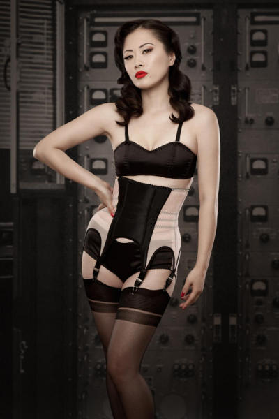 dentellenoire:  Kiss Me Deadly - A/W 2011  I love the strong colors and contrasts. None of that silly frilly stuff (which of course I love too).