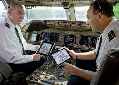 United Airlines to give iPads to Pilots