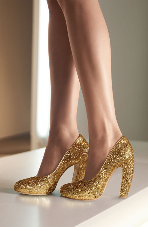 Mui Mui Glitter Platform Pump - WHAT. I like these so much more than the Mui Mui glitter booties that have been floating around tumblr. That curve on the heel is just so freaking perfect.