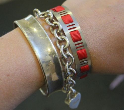 truebluemeandyou:  DIY Home Depot Bracelet - the Red One. Found at Henry Happened here. It's an adjustable hose clamp. Leave it plain or thread ribbon through it. Go to her site to see all the details. So creative.